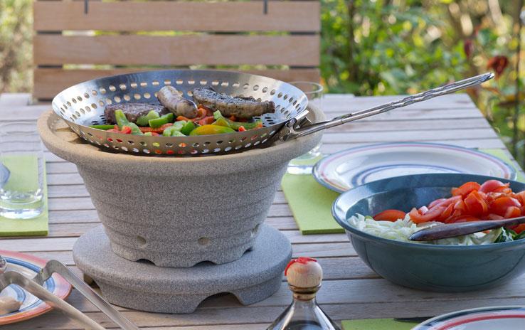 Grillpfanne edelstahl mit klappgriff denk keramik for Beistelltisch zum grillen