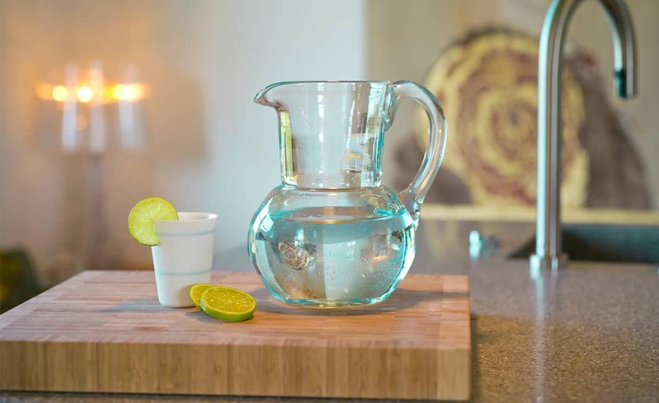 3quellen krug aus em glas denk keramik. Black Bedroom Furniture Sets. Home Design Ideas